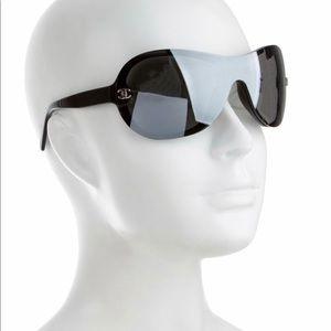 CHANEL Shield CC sunglasses